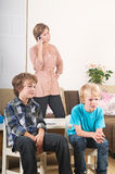 Children watching tv Royalty Free Stock Photos