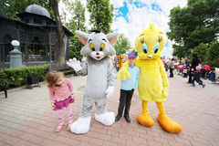 Free Children With Large Cat And Chicken Royalty Free Stock Images - 32793129