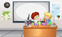 Children working on lab experiment Royalty Free Stock Photo