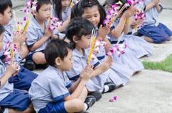 Children worship buddha Royalty Free Stock Images