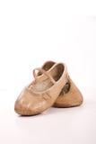 Childs Ballett-Schuhe getragen und gut benutzt Lizenzfreie Stockfotos
