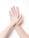 Childs et main de l'adulte Photographie stock