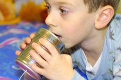 Childs pode telefonar imagem de stock royalty free