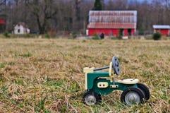 Childs Spiel auf dem Bauernhof Stockfotos