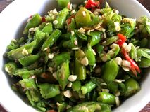 Chile colorido tajado Hierba fresca para el ingrediente alimentario fotografía de archivo