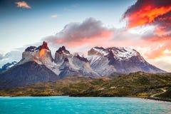 chile del paine patagoniatorres royaltyfri fotografi