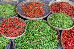 Chile tailandés verde rojo Imágenes de archivo libres de regalías