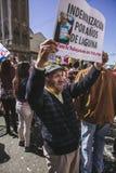 Chilenare protesterar det privata pensionsystemet royaltyfri foto