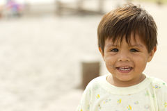 Chilenisches Baby auf dem Strand Lizenzfreie Stockbilder