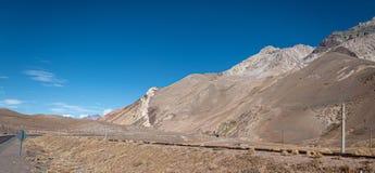 Chileno los Andes en fotografía hermosa del paisaje imágenes de archivo libres de regalías