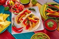 Chili гуакамоле еды тако fajitas цыпленка мексиканский Стоковые Фотографии RF