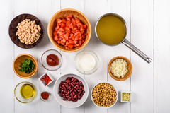 Chili Bean Stew Food Ingredients Top View sur le Tableau blanc Images stock