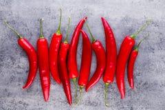 Chili Cayenne pieprz na popielatym tle zdjęcie stock