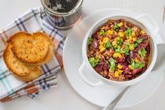 Chili con carne et ingrédients Images stock