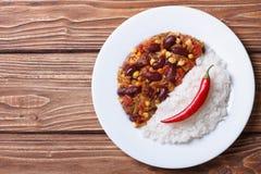 Chili con carne i ryżowy wioski tło horyzontalni Zdjęcie Royalty Free
