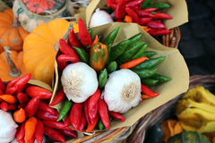 Chili and garlic at the market Royalty Free Stock Photos