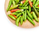 Chili på vit arkivfoton