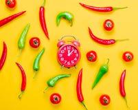 Chilipeppar med tomater och ringklockan Royaltyfria Bilder