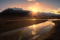 Chilkat-Fluss-Sonnenuntergang Lizenzfreies Stockfoto