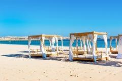 Chill зона салона на песчаном пляже Стоковое Изображение RF