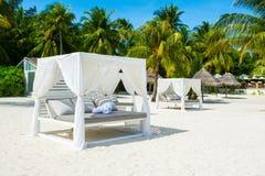 Chill зона салона на песчаном пляже Стоковая Фотография RF