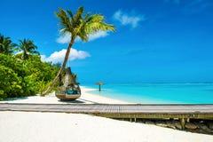 Chill зона салона на песчаном пляже Стоковая Фотография
