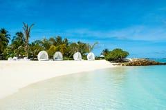 Chill зона салона на песчаном пляже Стоковое Изображение