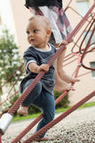 Chilldren am Spielplatz Stockfoto
