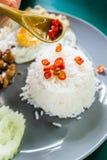 chille και σάλτσα ψαριών στο κουτάλι Στοκ εικόνα με δικαίωμα ελεύθερης χρήσης