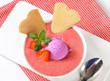 Chilled strawberry soup Royalty Free Stock Photos