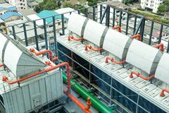 Free Chiller. Sets Of Cooling Towers In Data Center Building Stock Images - 186010384