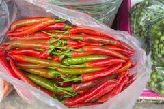 Chillis待售在泰国市场上 免版税图库摄影