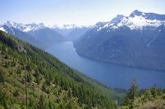 Chilliwack Lake i norr kaskader Royaltyfria Foton