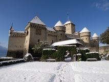 Chillon Schloss im Winter mit Schnee Lizenzfreies Stockfoto