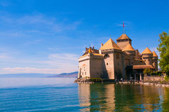 Chillon slott, medeltida fästning på kusterna av sjöGenève n royaltyfri fotografi
