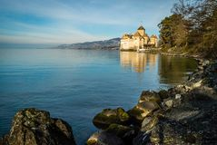 Chillon slott på gryning Royaltyfria Bilder
