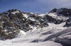 Chimbulak Schnee in den Bergen lizenzfreie stockbilder