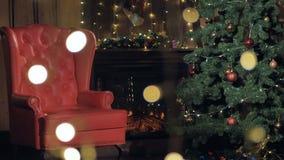 Chimenea del interior de la Navidad Silla de Santa Claus cerca del árbol de navidad 4K almacen de metraje de vídeo