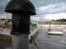 Chimenea en un tejado Corfú Fotografía de archivo