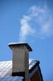 Chimenea que fuma Imagen de archivo libre de regalías