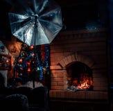 Chimenea rastoplenny en la casa Fotos de archivo libres de regalías