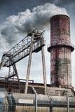 Chimenea vieja de la fábrica Fotografía de archivo