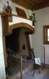 Chimenea vieja en casa del búlgaro del renacimiento Foto de archivo