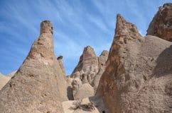 Chimeneas de hadas de Cappadocia, Nevsehir en Turquía foto de archivo