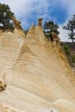 Chimeneas de la piedra caliza fotografía de archivo libre de regalías