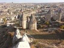 Chimeneas en Cappadocia Turquía Imagenes de archivo