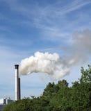 Chimeneas que fuman Foto de archivo libre de regalías