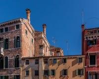 Chimeneas venecianas imagenes de archivo