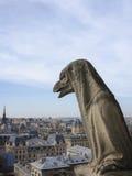 Chimera na Notre Damae katedry balkonie obraz stock