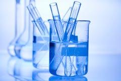 Chimie sur le fond, concept chimique moderne lumineux images libres de droits